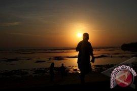 10 Pantai Terbaik di Indonesia Pilihan Wisatawan