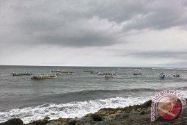 "Cuaca Buruk di Selat Bali, Pelabuhan Gilimanuk ""Buka -Tutup"""