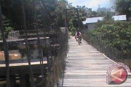 Jembatan Gantung Kedukul Memprihatinkan