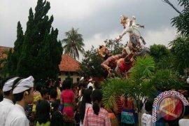 Sambut Nyepi Umat Hindu Gelar Pawai Ogoh-ogoh