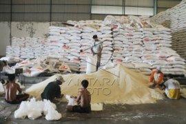 Bantuan Keuangan Distribusi Raskin Banten Rp7,2 Miliar