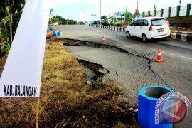 Kerusakan Jalan Nasional  Balangan Makin Parah