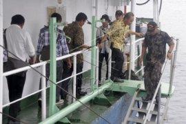 KPK Tinjau Kapal Hai Fa di Ambon
