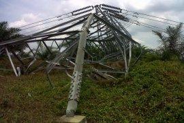 PLN pastikan pasokan listrik tidak terganggu akibat menara SUTT roboh di Sumedang