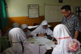 USAID Prioritas Hibah Buku Ke Sekolah Tangsel