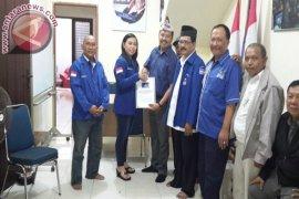 Sukoto-Abror Daftar Cawali Surabaya ke Demokrat