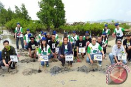 BCA - WWF Indonesia Tanam Mangrove
