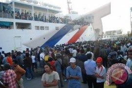 1.737 Pemudik Berangkat dari Pelabuhan Feri Penajam