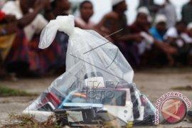 Handphone Imigran Rohingya Disita