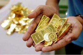 Harga Emas Berjangka Kembali Jatuh Karena Permintaan Turun