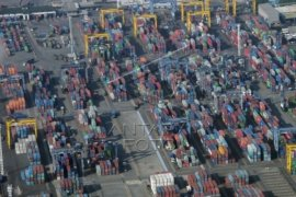 Impor Banten April 2015 Naik 18.44 Persen