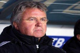 Guus Hiddink Mengundurkan Diri