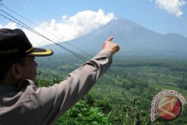 Cuaca Buruk, Pendakian ke Gunung Semeru Awal 2018 Ditutup