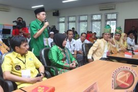 Pelantikan Gubernur Kalsel Tunggu Surat Edaran Mendagri