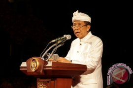 Gubernur Pastika Meminta OJK Tegas Menangani Investasi Bodong