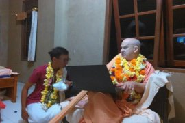 Rohaniawan Hindu Amerika Kunjungi Bali