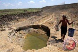 Masyarakat pinggiran kawasan industri kesulitan air bersih
