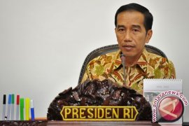Jokowi Ganti Enam Menteri