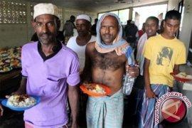Aceh deportasi lagi 100 pengungsi Bangladesh