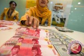 Dana masyarakat di lembaga keuangan syariah masih rendah