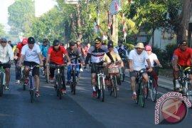 Ratusan Warga Jembrana Kayuh Sepeda