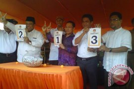Panwaslu serahkan berkas komisioner KPU ke DKPP