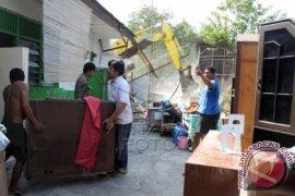 Bekasi Bebaskan 36 Bangunan Untuk Tol Becakayu