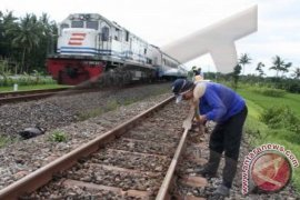 DPRD dukung pembangunan jalur kereta api