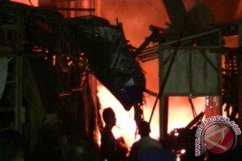 Kebakaran Kios Pasar Cibadak Sukabumi Diselidiki