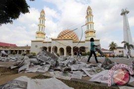 Gubernur Maluku Shalat Idul Adha bersama ribuan umat di Masjid Alfatah Ambon