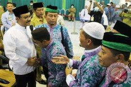 Wagub Jatim Sambut Jamaah Haji Kloter Pertama