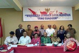 Emil Salim: kretek bukan budaya Indonesia