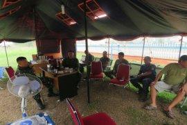 Danyonif 642/Kps Kunjungi Posko Penanggulangan Bencana Asap