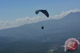 "FASI Bondowoso Gelar ""Ijen Flying Festival"""