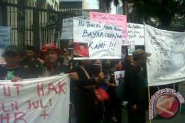 Buruh Bantargebang Tagih Pesangon Dari Menteri Malaysia