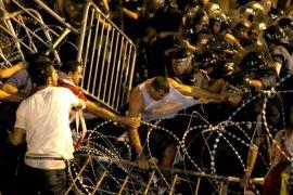 Warga Lebanon menyerukan pemberontakan setelah unjuk rasa guncang Beirut