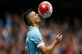 Dipukul MU 3-2, perayaan gelar juara Manchester City tertunda