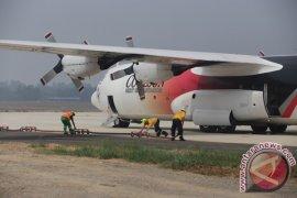 Pesawat Australia Padamkan Api