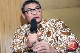 Tim penyidik KPK kecelakaan di Dompu, termasuk Novel Baswedan