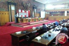 Sembilan Fraksi DPRD Tanggapi RAPBD Pemprov Jambi