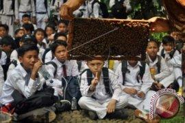 Belajar Mengenal Lebah Madu