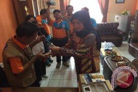 BNPB Bantu Alat Komunikasi Untuk BPBD Sukabumi