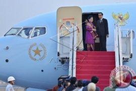 Presiden Jokowi Tinjau Anjungan Indonesia Di KTT Perubahan Iklim Paris