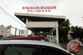 Jalur lintas kereta api Bogor-Sukabumi rawan longsor