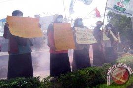 Peringati Sumpah Pemuda Mahasiswa Demo Kabut Asap