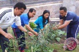 BI Bali Canangkan Sekolah Penerapan Pertanian Perkotaan