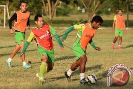 Suporter Surabaya United-Aremania Rusuh Dua Tewas
