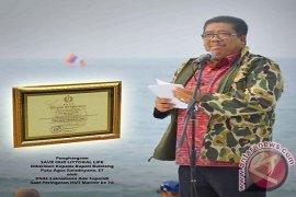 KSAL Beri Bupati Buleleng Penghargaan Perlindungan Pesisir