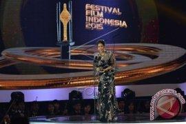 Tara Basro Pemeran Utama Wanita Terbaik FFI 2015