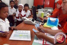 Dindik Banten Bantu Siswa Dari Keluarga Miskin